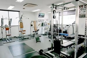 広島中区キックボクシングジム HADES WORK OUT GYM(ハーデスワークアウトジム) 広島市キックボクシングジム「ハーデス」ウエイトトレーニングマシン