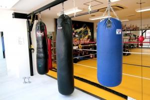 広島中区キックボクシングジム HADES WORK OUT GYM(ハーデスワークアウトジム) 広島市キックボクシングジム「ハーデス」サンドバックエリア