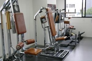 広島中区キックボクシングジム HADES WORK OUT GYM(ハーデスワークアウトジム) 広島市キックボクシングジム「ハーデス」トレーニングマシーン